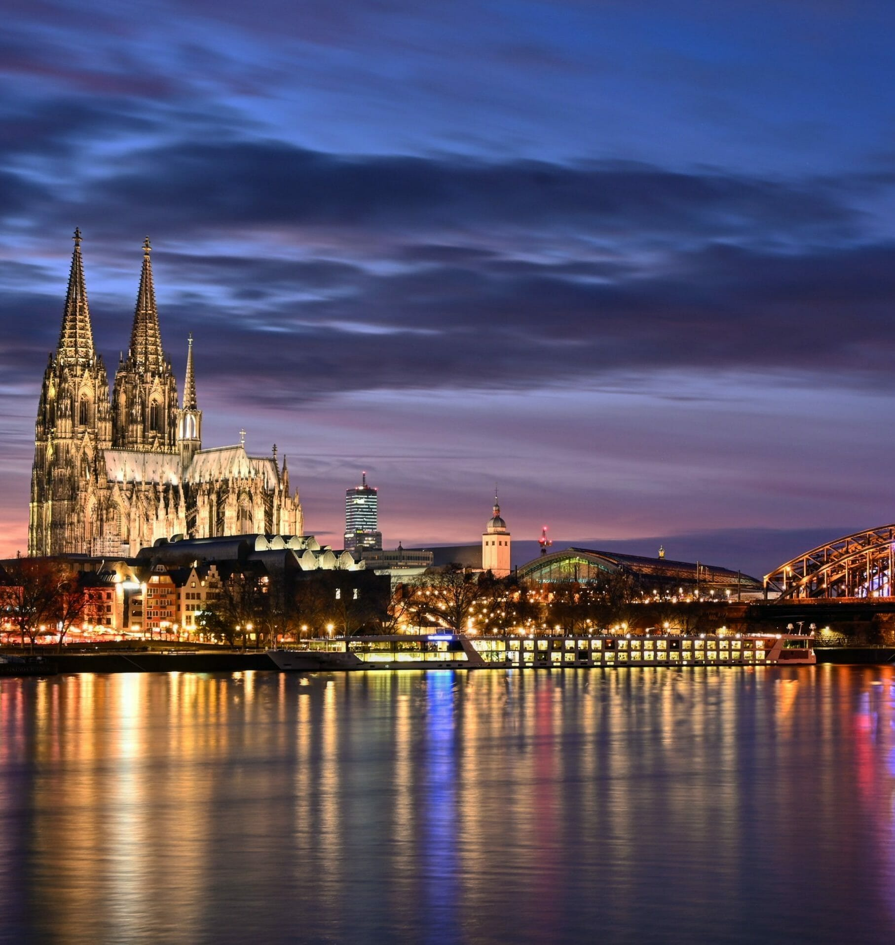 Berufsberatung in Köln - Köln Nachtbild