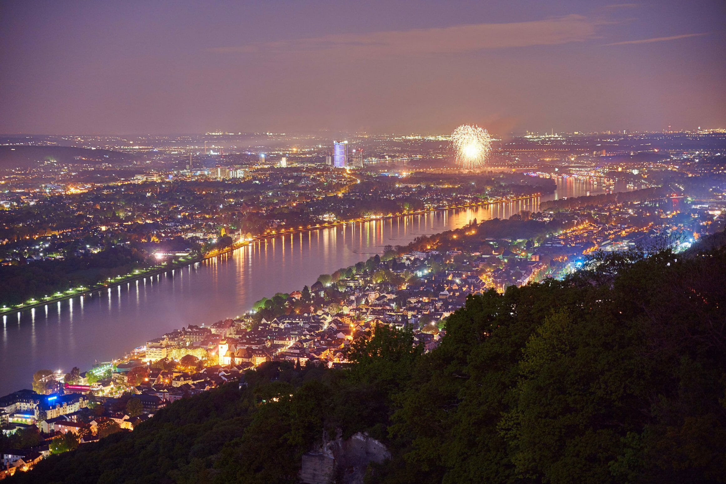 Berufsberatung in Bonn - Bonn Nachtbild